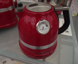 Red KitchenAid kettle