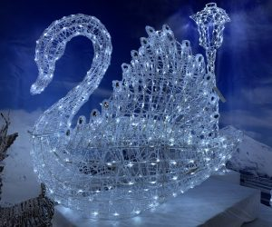 Lit Swan Decoration